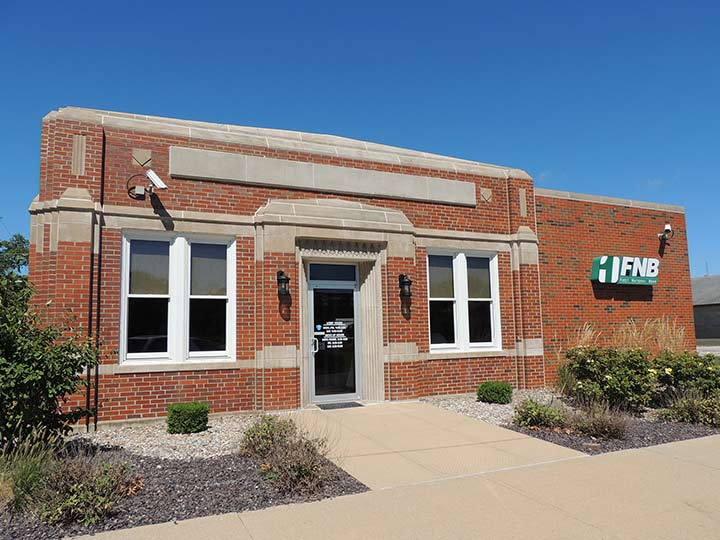 exterior of Railroad Street branch in Patoka, Illinois